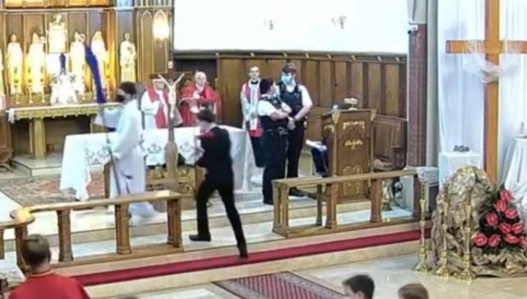 polish-rc-church-raided-in-balham-by-met.mp4